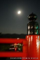 観月祭 : 疎水に掛かる橋から東山