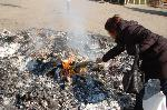 正月 どんど焼き : 正月飾りを焚き 歳神様にお帰りいただく
