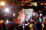 蛍狩り 蛍火の茶会  : 大籠が運ばれてきた フラッシュ禁止!