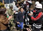 東日本大震災 : 避難所となっている愛宕小学校で卒業式(和田大典氏撮影無断掲載)