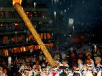 祇園祭 神輿洗い : ■時間:7月10日 20:00? ■場所:八坂神社?四条大橋 7月17日の神幸祭に渡御する八坂神社の3基の神輿のうち、  主神を祀る中御座(なかござ)の神輿を 鴨川の水で清める神事です。この日は、鉾建て・幣切り(しできり)、神事用水清祓式、お迎え提灯とがあり、神様を迎える長い一日となります。