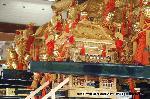 祇園祭 : 28日の神輿洗いまでは 境内に飾られている