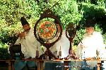 秋祭たけなわ : 秋祭り酣の京都。 各所の神社で祭礼が行われています。 神輿が練り歩くところに出会わせることが多い季節です。 写真は、雅楽奏上での蹴上にある日向大神宮例祭の様子です。