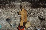 観梅 黒谷の紅梅 供養塔 : 崇源院の年始供養の塔婆