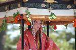 葵祭(賀茂祭) : 第53代斎王代は京料理菊乃井さんのお嬢さん。