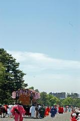 葵祭 : 平安王朝絵巻が都大路に繰り出す。