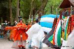葵祭 御蔭祭 : 和琴が渡され東遊の舞となる