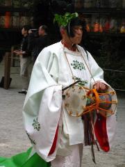 葵祭 御蔭祭 : 「切芝の神事」にある「東遊(あずまあそび)の舞」の雅楽