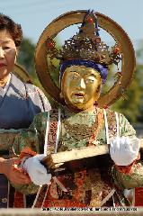 二十五菩薩お練り供養 : 金剛蔵菩薩は琴