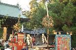 還幸祭 ずいき祭 : 剣鉾は東門より還幸
