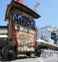 祇園祭  : 有限会社 エコロ 財木 孝太さん 屋根方さんは命がけ。
